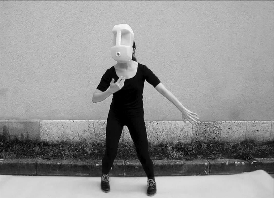 Objet de danse #1 Eloise Deschemin et le bauhaus